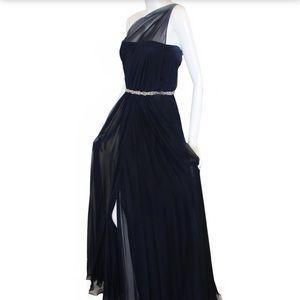 👸🏻 SALE Romona Keveza Silk Gown w/ Crystal👸🏻